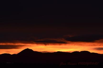 couché de soleil sur les Puys